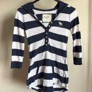 🎁 A&F hooded T-Shirt